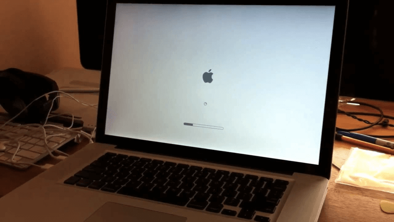 What To Do If Macbooks Or Imacs Won T Boot Past Apple Logo